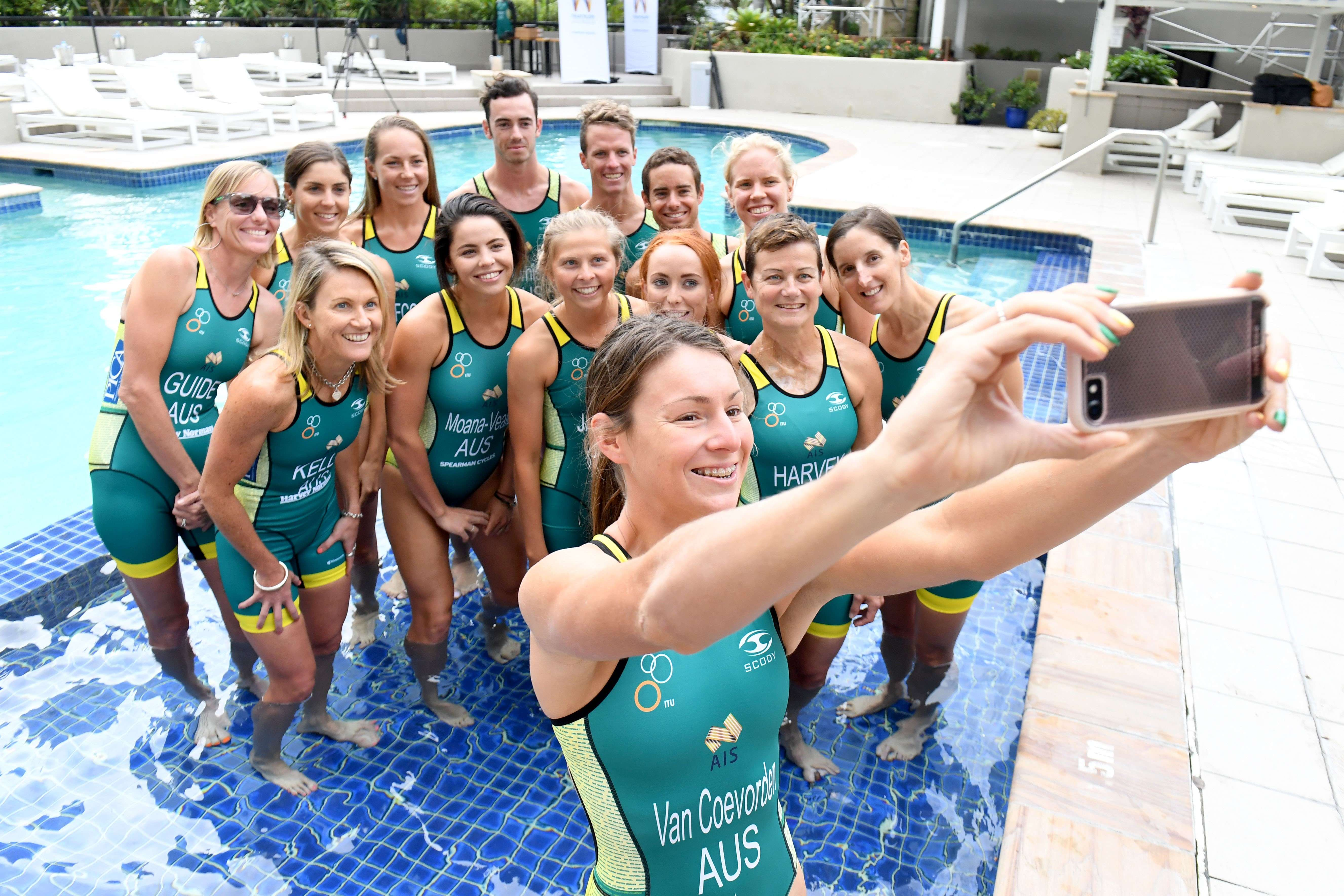 Triathlon Australia Fitting Suits 2017 - team
